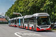 Elektro-Hybridbusse der Hochbahn am Elektrobusterminal in Hamburg