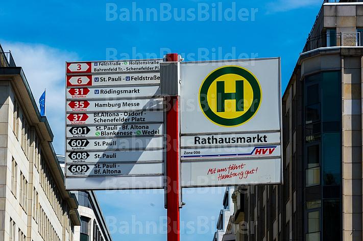 Haltestellenschild am Hamburger Rathausmarkt