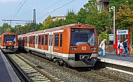 Fotomontage: S-Bahn am AKN-Haltepunkt Burgwedel in Hamburg