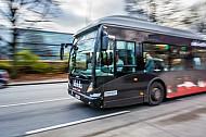 Ein Metrobus auf der Linie 5 in Hamburg