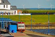 Triebwagen der NEG im Fährbahnhof Dagebüll Mole in Schleswig-Holstein