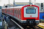 S-Bahn an der Elbgaustraße in Hamburg