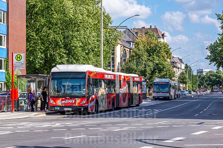 XXL-Bus am Grindelhof in Hamburg
