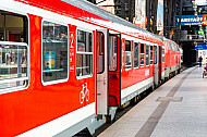Regionalbahn im Hamburger Hauptbahnhof