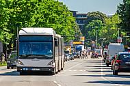 XXL-Bus der Hochbahn in Hamburg