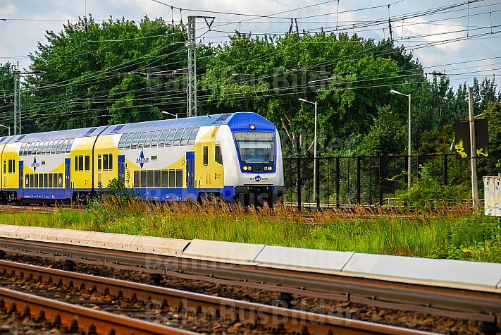 Metronom-Zug in Hamburg-Wilhelmsburg