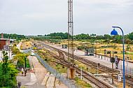 Der dänische Fährbahnhof Rödby an der Vogelfluglinie. Die meisten Gleise sind seit EInstellung des Güterverkehrs 1997 stillgelegt und verwaist.