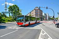 Bus an der Staatsbibliothek in Hamburg