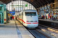 ICE im Bahnhof Dammtor in Hamburg