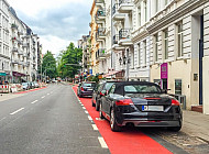 Falschparker blockiert Fahrradspur
