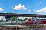 Regionalzug im Bahnhof Hamburg-Rahlstedt
