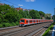S-Bahn in Hamburg auf der Verbindungsbahn am Dammtor