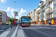 Metrobus der Linie M4 am Grindelhof in Hamburg