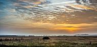 Lemvigbanen-Triebwagen bei Sonnenaufgang