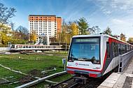 Zwei U-Bahnzüge der Linie U2 an der Haltestelle Legienstraße in Hamburg