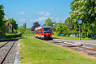 Regionalzug (Sonderzug) am Bahnhof Schönberg bei Kiel in Schleswig-Holstein