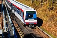 U-Bahn am Bahnhof Hagenbecks Tierpark