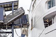 Fußgännger-Gangway zu einem Scandlines-Fährschiff im dänischen Hafen Rödby (Vogelfluglinie).
