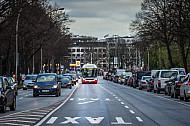Metrobus 4 auf Busspur am Dammtor