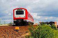 S-Bahn an den Elbbrücken in Hamburg