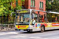 Metrobus der Linie M3 in der Holstenstraße in Hamburg