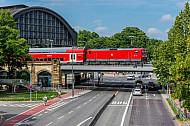Regionalzug am Bahnhof Dammtor in Hamburg
