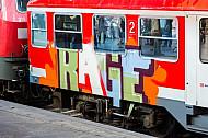 Graffiti an einem Regionalzug in Hamburg