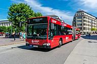 Metrobus der Linie M3 am Hamburger Rathausmarkt