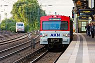 AKN-Triebwagen im S-Bahnhof Hamburg-Eidelstedt
