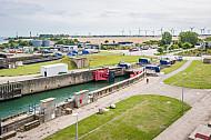 Fährbecken und Fährbahnhof Puttgarden an der Vogelfluglinie.