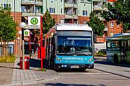 XXL-Bus der Hochbahn am AKN-Bahnhof Burgwedel