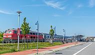 Intercity im Bahnhof Burg auf Fehmarn