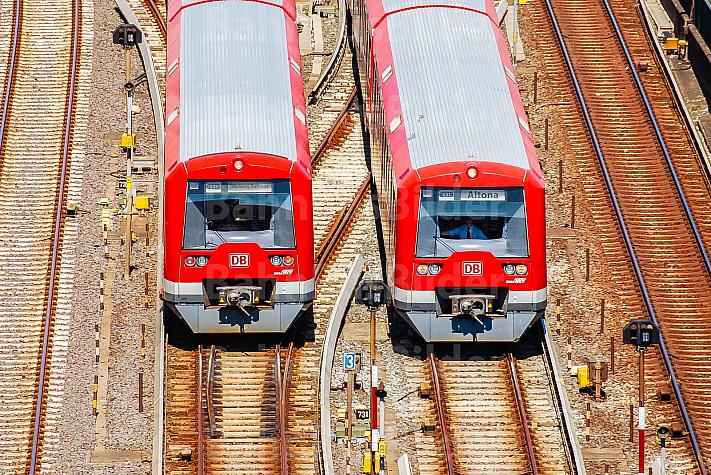 S-Bahnen am Bahnhof Hamburg-Altona
