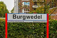 Stationsschild im AKN-Haltepunkt Burgwedel in Hamburg