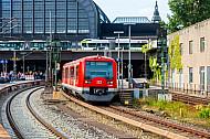 S-Bahn der Linie S3 am Hauptbahnhof in Hamburg