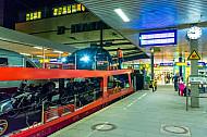 Autozug-Verladung im Bahnhof Hamburg-Altona