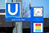 Stationsschild Berliner Tor der U-Bahn in hamburg