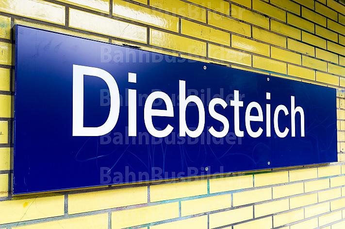 Stationsschild am S-Bahnhof Diebsteich in Hamburg