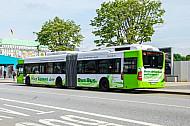 Hybridbus der Hochbahn am Jungfernstieg in Hamburg