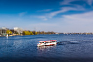 Alsterschiff auf der Alster in Hamburg