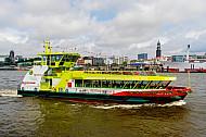 Hafenfähre Oortkaten auf Tauffahrt in Hamburg