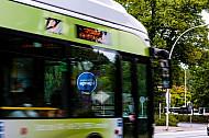 Metrobus der Linie M5 am Niendorfer Markt in Hamburg