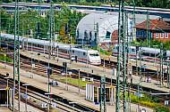 ICE im Bahnhof Altona