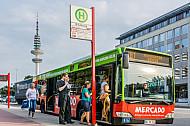 Einstieg vorn bei einem Bus in Hamburg