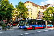 Metrobus der Linie M6 im Mühlenkamp in Hamburg