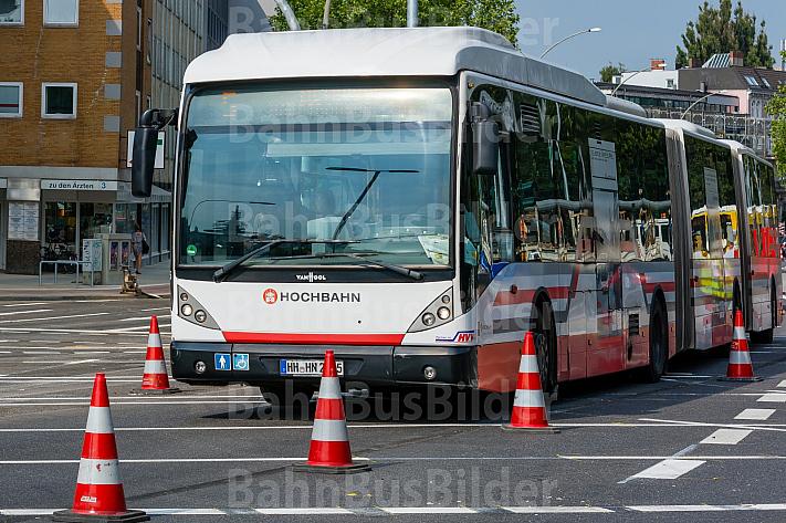 Bauarbeiten an einer Busspur in Hamburg