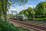 Ein Elektrotriebzug (Typ Flirt) der Nordbahn am Dammtor in Hamburg