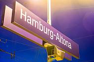Stationsschild: Bahnhof Hamburg-Altona
