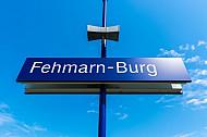 Stationsschild im neuen Bahnhof Burg auf Fehmarn in Schleswig-Holstein