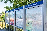 Fahrgastinformationsvitrinen im Bahnhof Horst in Schleswig-Holstein
